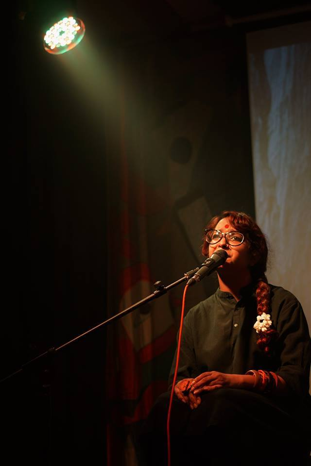 Tamoha performing poetry